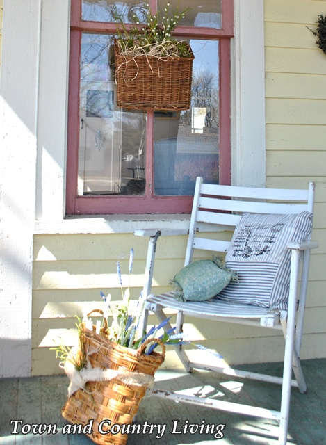 Shabby White Porch Chair