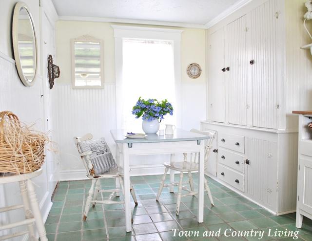 Farmhouse Kitchen Nook