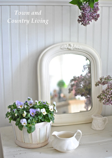 Vintage mirror and flowers