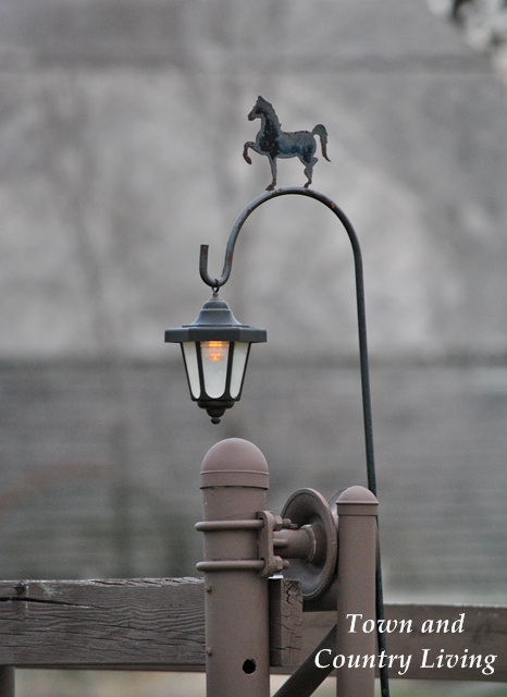 Country Road Lamp