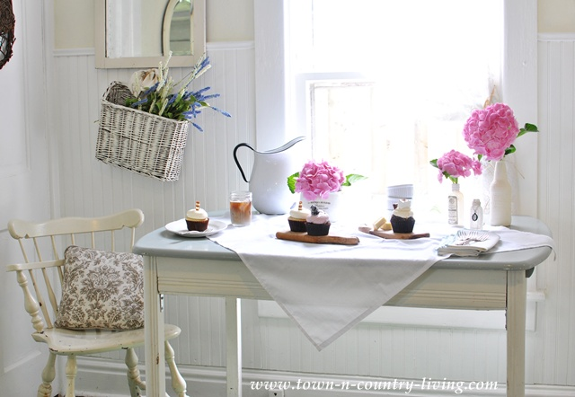 Summer Inspiration Decor in the Kitchen - Town and Country Living