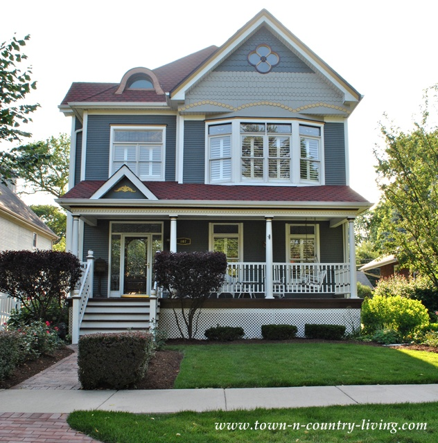 Ext color victorian e1286908536382 cool article about how for Blue siding house