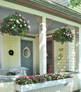 Summer Farmhouse Porch Decorating Ideas