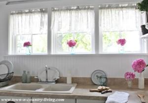 Why I Love My Farmhouse Kitchen Windows
