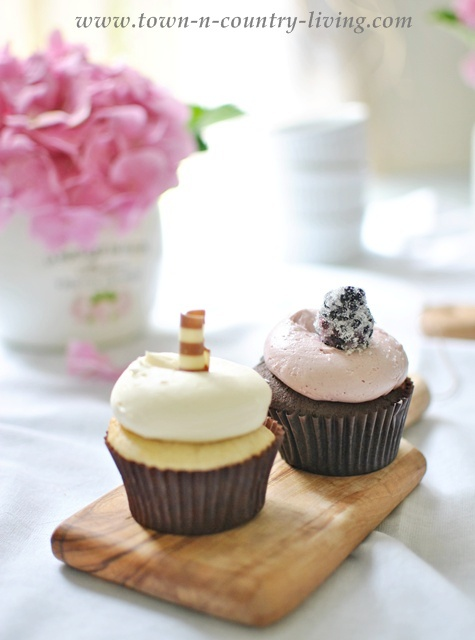 Cupcakes from The Sugar Path in Geneva, Illinois - Town and Country Living blog