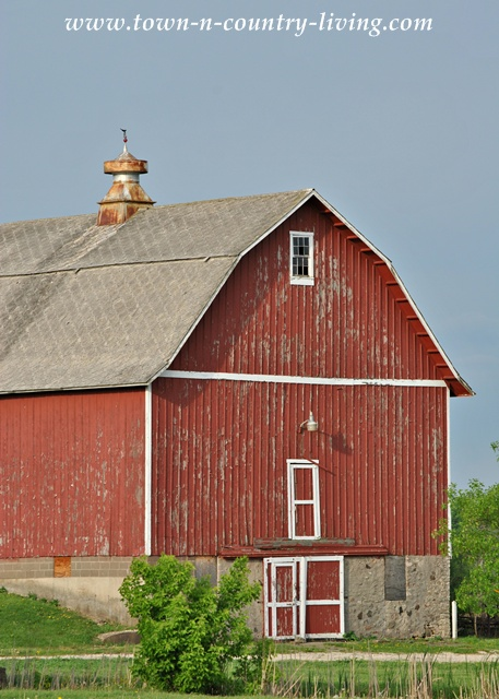 Rustic Red Barn at Leroy Oakes Forest Preserve