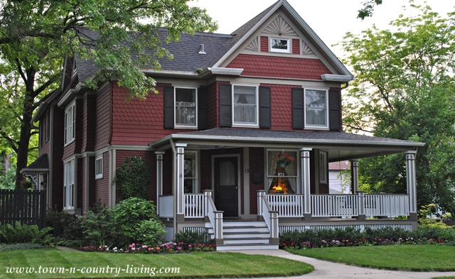 Home tour in the historic district of naperville illinois for Victorian colonial homes