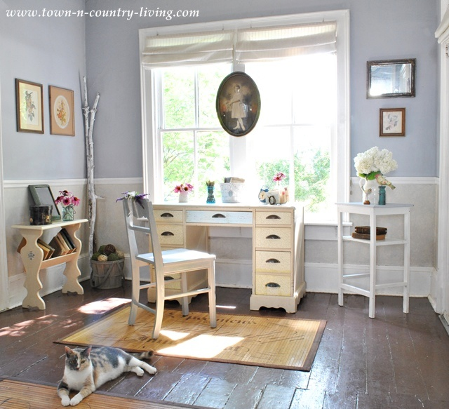cottage style decorating in the entry way town country