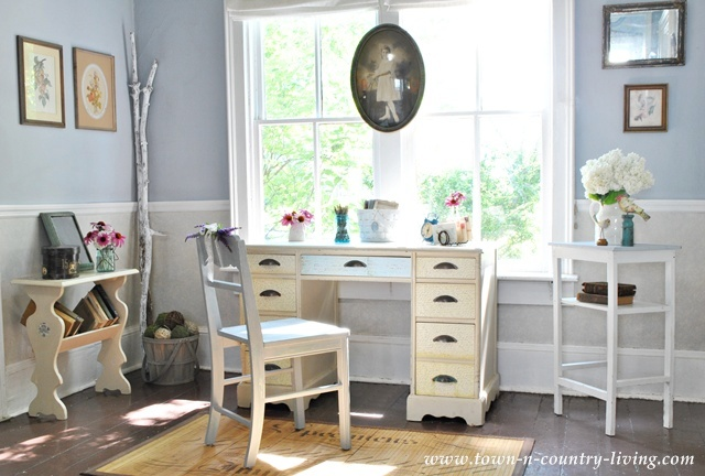 Cottage Style Decorating in the Entry Way via Town and Country Living
