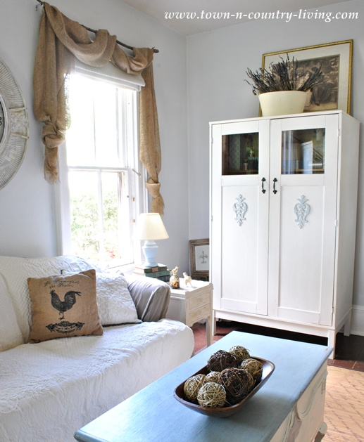 Simple Decorating Ideas On A Budget Town Country Living