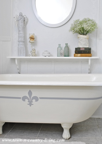Painting My Claw Foot Tub Town Country Living