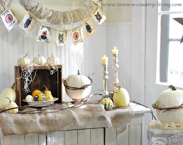 Halloween decorating via Town and Country Living