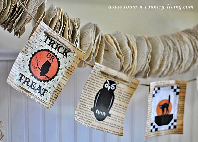 DIY Paper Halloween Banner