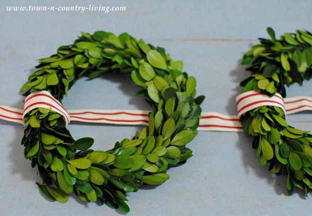 Diy Christmas Decor Trio Of Boxwood Wreaths