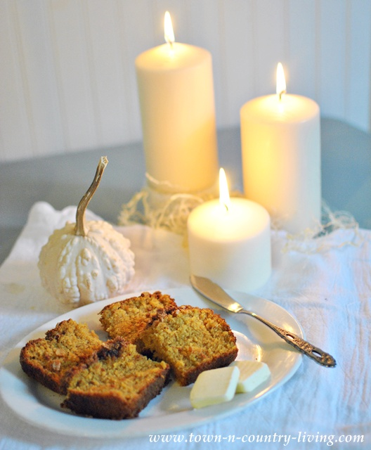 Pumpkin Bread with Oatmeal Streusel Topping via Town and Country Living