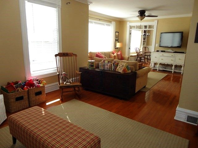 Family room in Dixon, Illinois