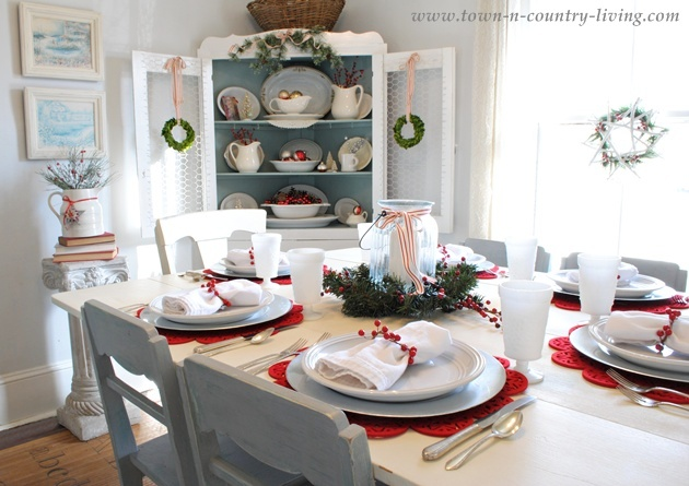 Christmas Dining Room at Town and Country Living