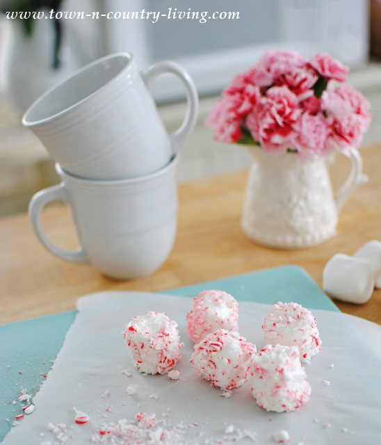 Peppermint Marshmallows for Cocoa