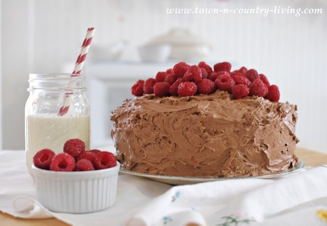 Dark Chocolate Raspberry Cake recipe