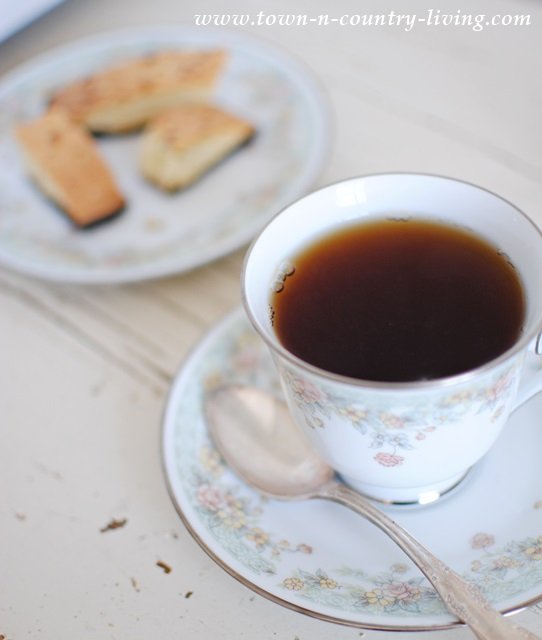 Flavored tea and chocolate almond biscotti