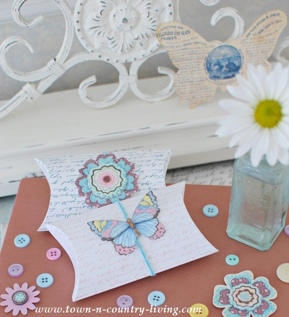 Decorated Gift Card Holders with stamps and stickers