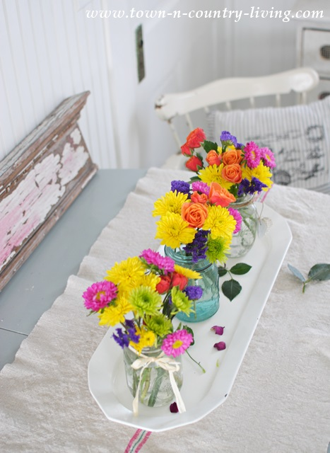 How to make a colorful centerpiece