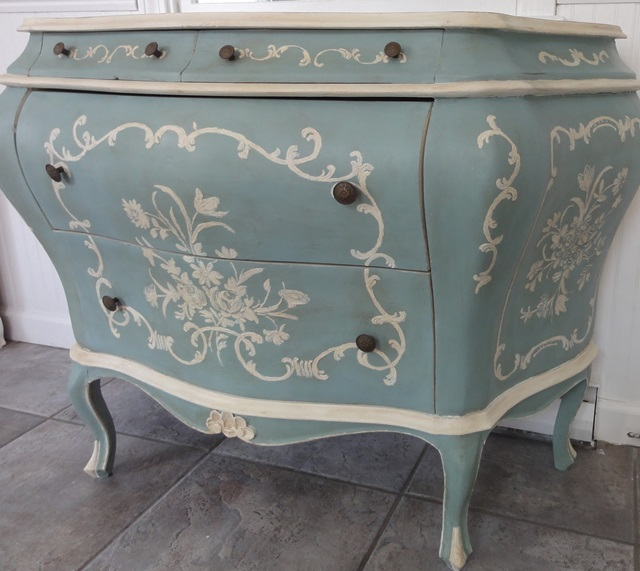 Beautiful Colors That Go With Duck Egg Blue #4: Beatrice.jpg
