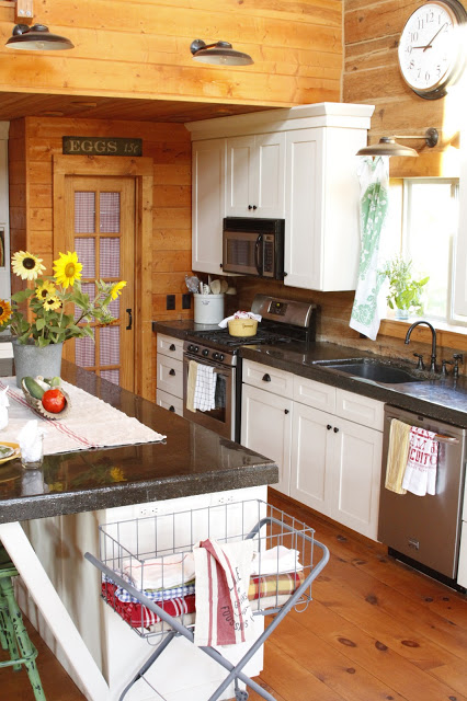 Creative-Cain-Summer-Kitchen