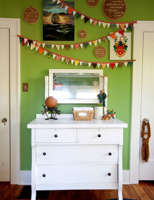 How to decorate with apple green