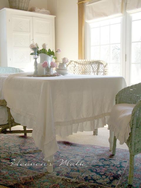 Shabby-Chic-Dining-Room