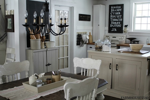 Farmhouse Style Kitchen in Neutral Tones