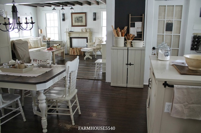 Charming farmhouse tour farmhouse 5540 town country Open farmhouse plans