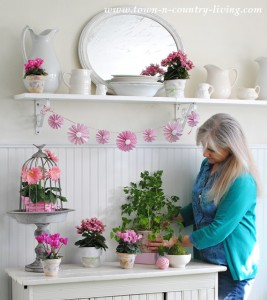 How I create a spring vignette in my cottage style farmhouse