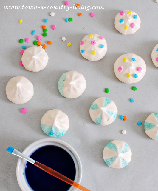 Painting Meringue Cookies with Food Coloring