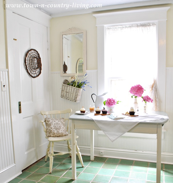 Decorating with Pink Flowers   Town & Country Living