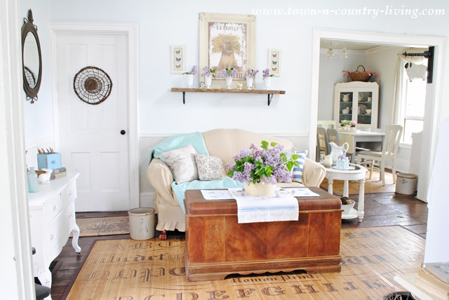 How To Decorate With Lilacs In Your Living Room Town
