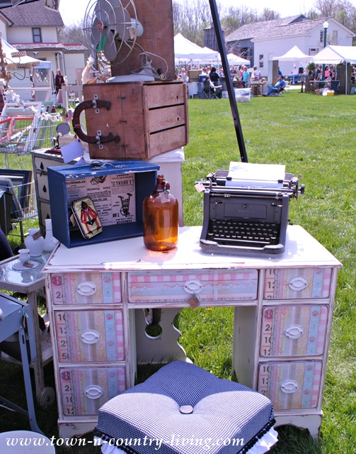 Vintage Finds at the Main Street Market Event
