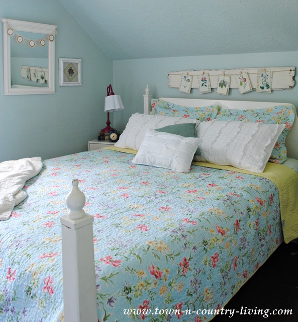 Cottage Style Summer Farmhouse Bedroom