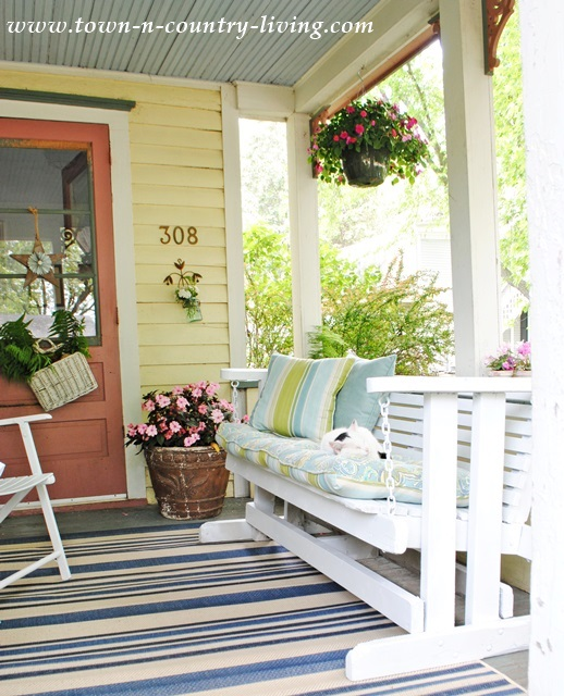 Cottage style summer home tour 2014 town country living Cottage porch decorating ideas