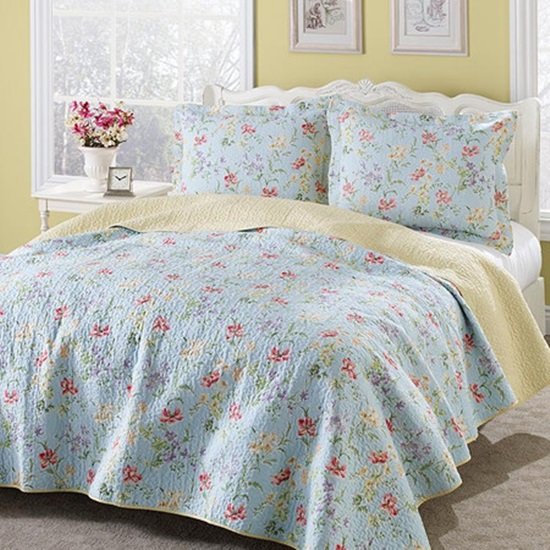 Fabulous Laura Ashley Quilt Set u