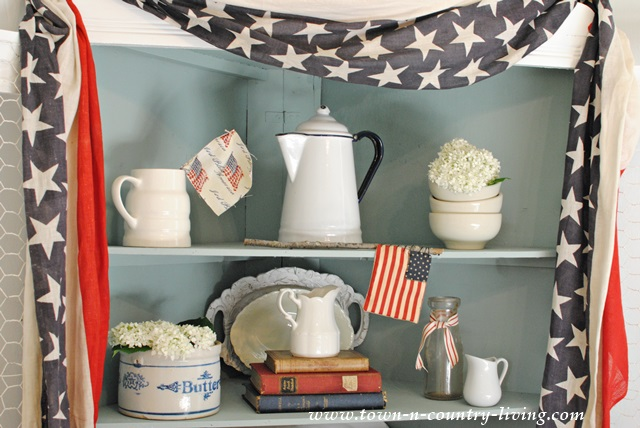 Patriotic Decorating with Vintage Bunting