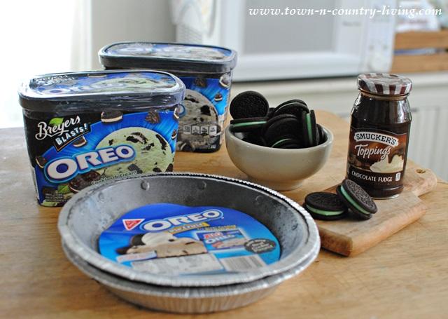 Ingredients for Oreo Cookie Ice Cream Pie