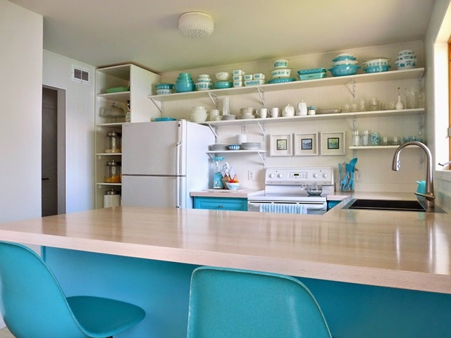 Colorful Turquoise And White Kitchen Makeover At Dans Le Townhouse