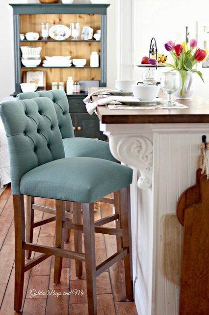 Ikea Hochstuhl Antilop Tablett ~ Ikea Billy Bookcases serve as kitchen island embellished with fancy