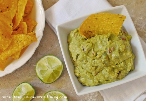Mild and Creamy Guacamole Recipe - Town & Country Living