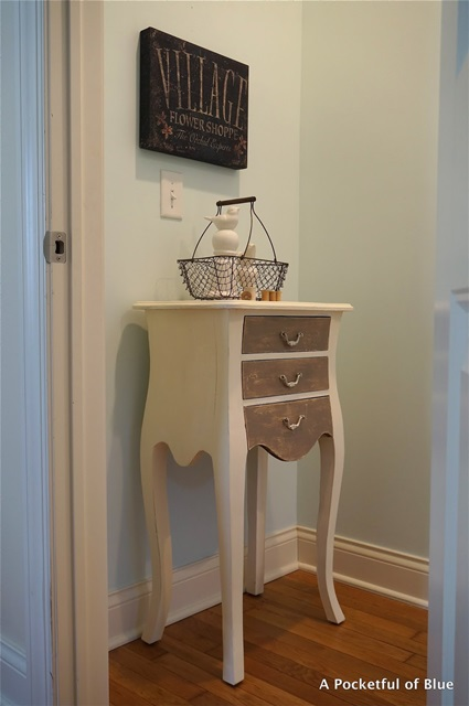 Side Table Painted with Annie Sloan Chalk Paint