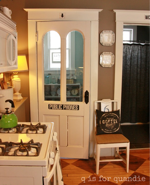 Vintage Style Pantry in a Bungalow Kitchen