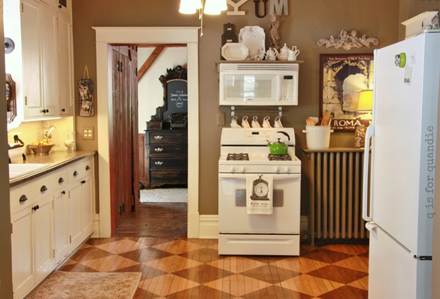 Vintage kitchen in a cozy bungalow