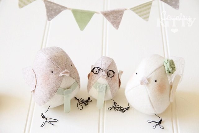 Birds handcrafted from fabric at Country Kitty