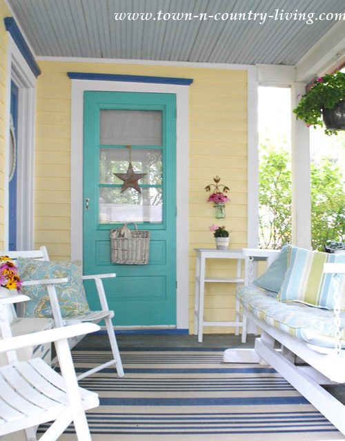 exterior paint colors Archives - Town & Country Living